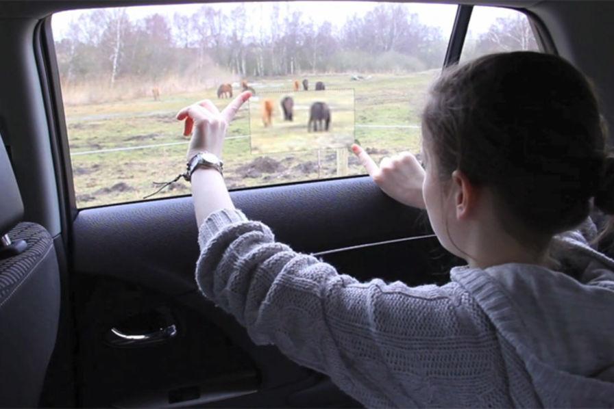 Tips Menikmati Perjalanan Dengan Mobil Agar Lebih Menyenangkan