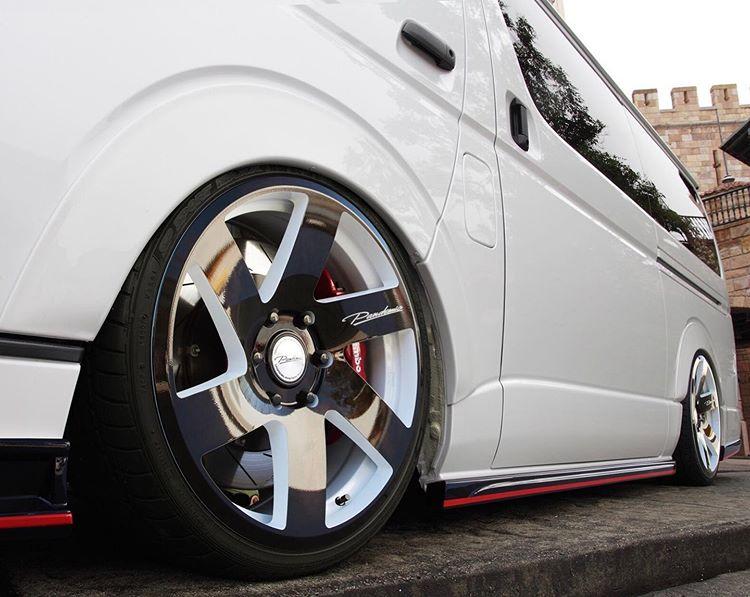 Keunggulan Toyota Hiace Baru yang Cocok Untuk Wisata di Jogja