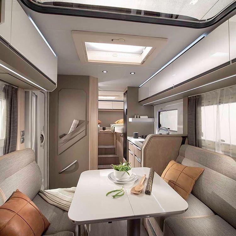 Interior Mobil Caravan, sumber ig adriamobil